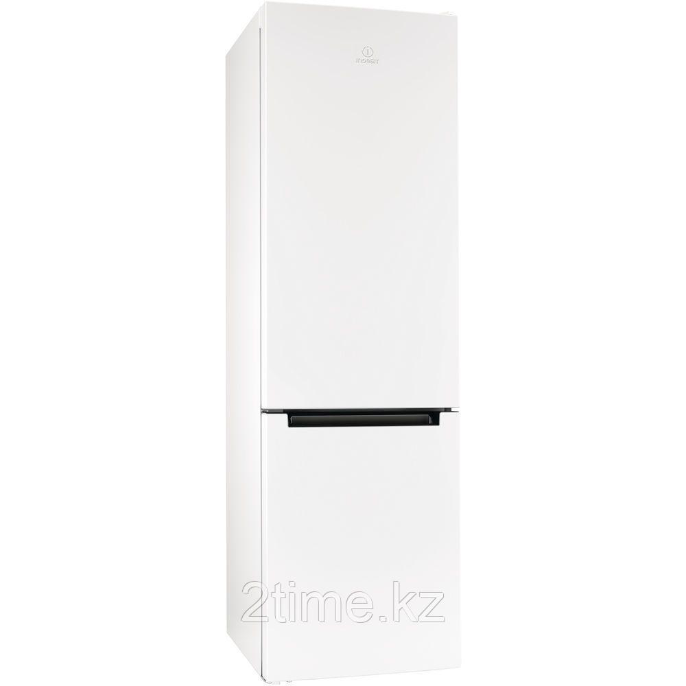 Холодильник-морозильник Indesit DFE 4200 W