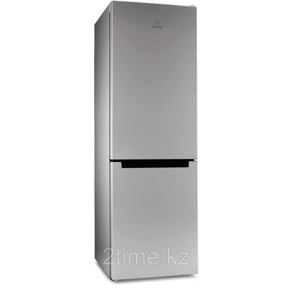 Холодильник Indesit DS 4180 SB двухкамерный