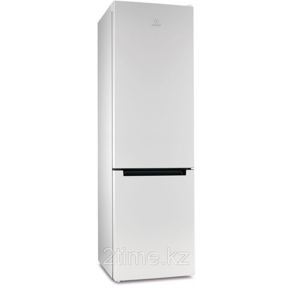 Холодильник Indesit DS 4200 W двухкамерный