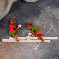 Сувенир деревянный 'Медведи'