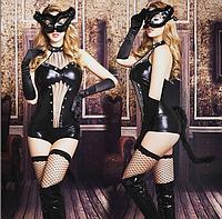 Сексуальный костюм женщины кошки.