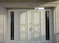 Дверь входная двухстворчатая со стеклом на заказ