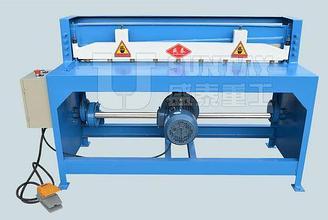 Гильотинные ножницы Q11-1.5*1600 электромеханические (Shengtai)