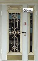 Входная дверь металлическая с ковкой и стеклом