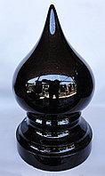 Конус, переходящий в шар, из черного гранита, диам. 14 см.