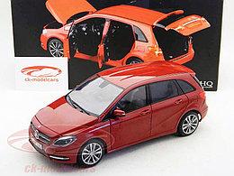 1/18 Norev Коллекционная модель Mercedes-Benz B180 2011