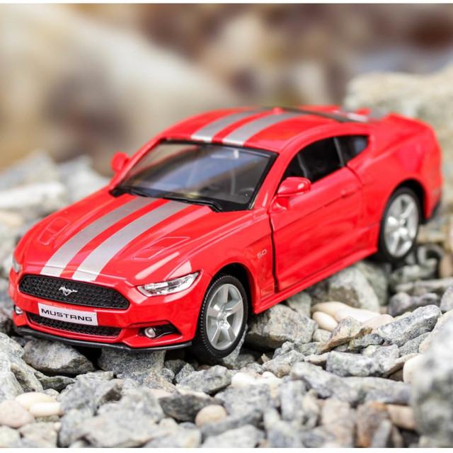 Игрушечные модели машин