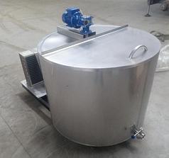 Охладитель молока открытого типа на фреоне.