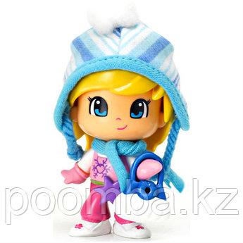 Кукла Пинипон в зимней одежде - Девочка в синей шапке
