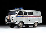 Сборная модель УАЗ «3909» Аварийно-спасательная служба, фото 2