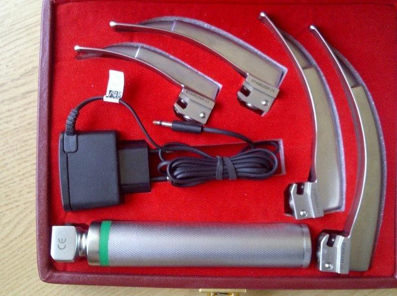 Ларингоскоп MacIntosh LUCAS-01 Mega Blade с блоком питания, 4 ложки 1-4