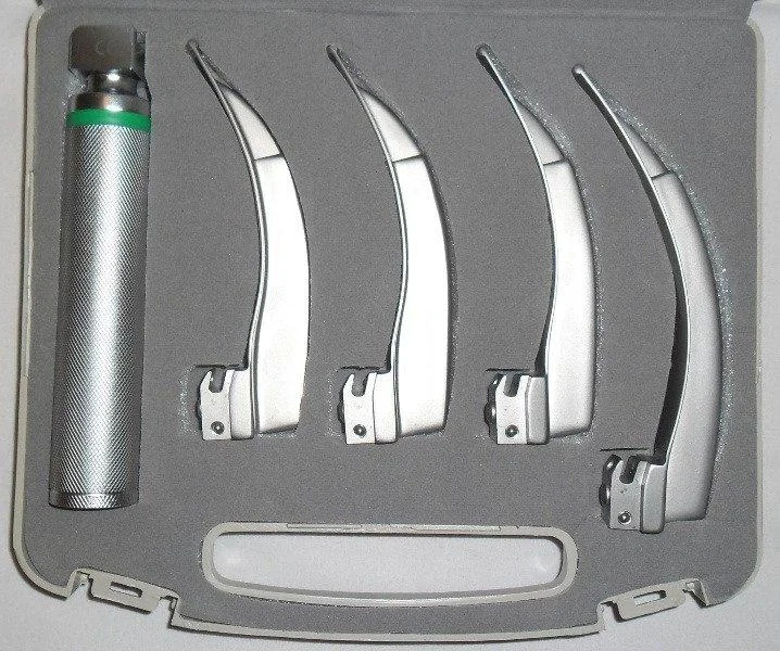 Волоконно-оптический ларингоскоп MacIntosh Mega Blade NEW WASEEM  3х3 + 4 ложкиНОВЫЙ ВАСЕМ