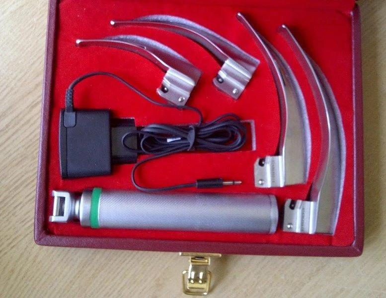 Волоконно-оптический ларингоскоп Макинтош LUCAS-01  с зарядкой аккумулятора, 4 ложки 1-4