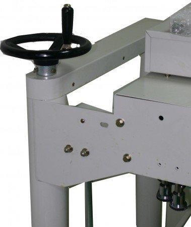 Запайщик конвейерный вертикальный с датером и вакуумом CEX-720PV