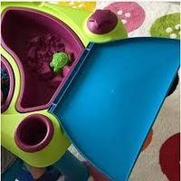 Столика Keter Creative для игры с водой и песком без табуретов