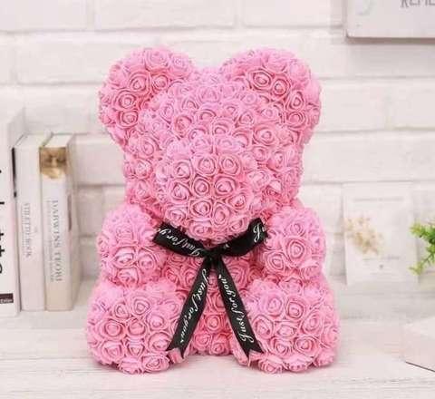 Мишка декоративный из роз с ленточкой в подарочной коробке [38 см] (Розовый) - фото 1