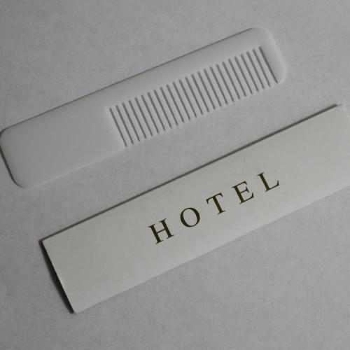 Расческа в коробке Hotel Пластик 14 см