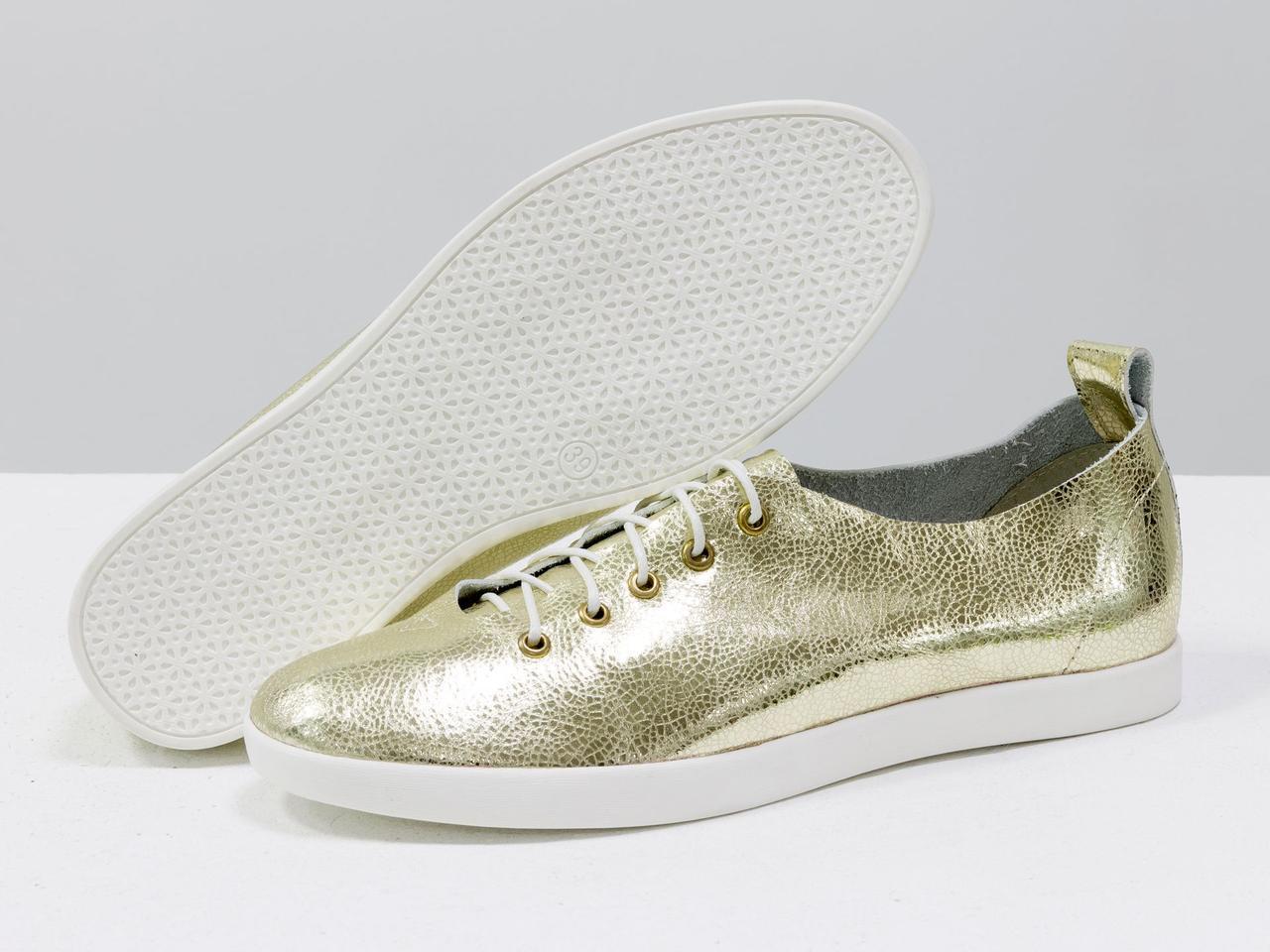 Невероятно легкие туфли-кеды из натуральной кожи золотого цвета на яркой белой подошве - фото 2