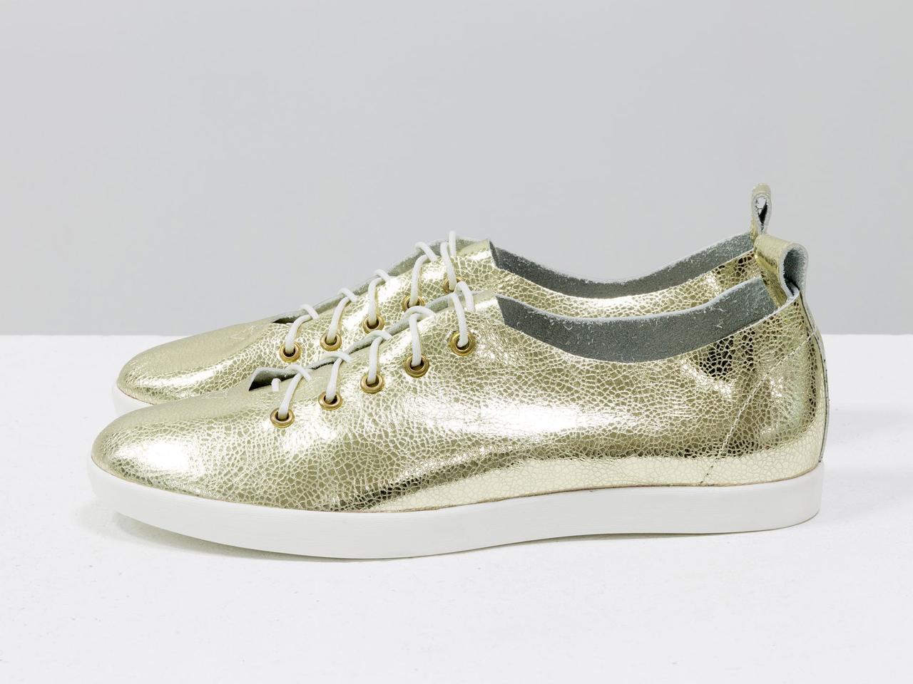 Невероятно легкие туфли-кеды из натуральной кожи золотого цвета на яркой белой подошве - фото 4