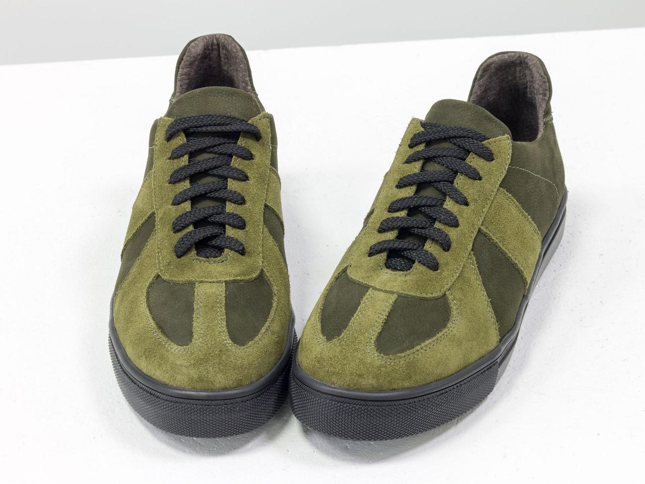 Стильные кроссовки из натуральной замши и матовой кожи оливкового и болотного цвета - фото 4