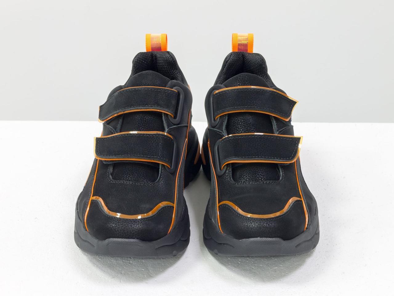 Яркие неоновые кроссовки на липучках из натуральной бархатной кожи черного цвета - фото 5