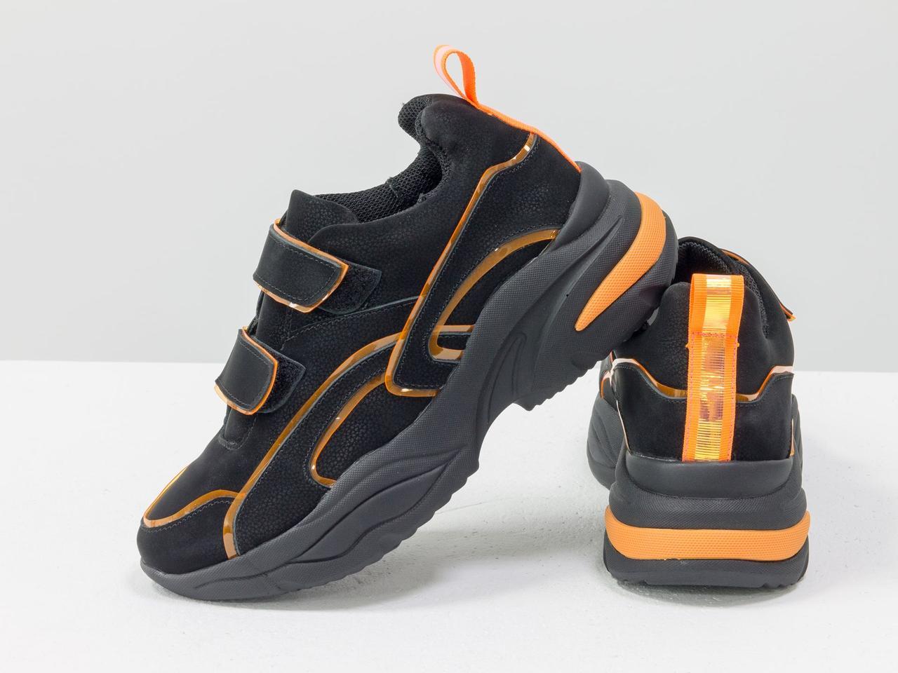 Яркие неоновые кроссовки на липучках из натуральной бархатной кожи черного цвета - фото 6