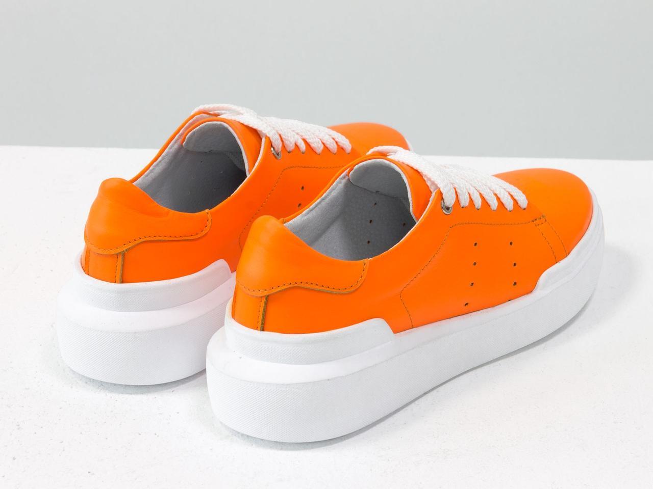 Невероятные неоновые кеды из натуральной матовой кожи ярко-оранжевого цвета - фото 3