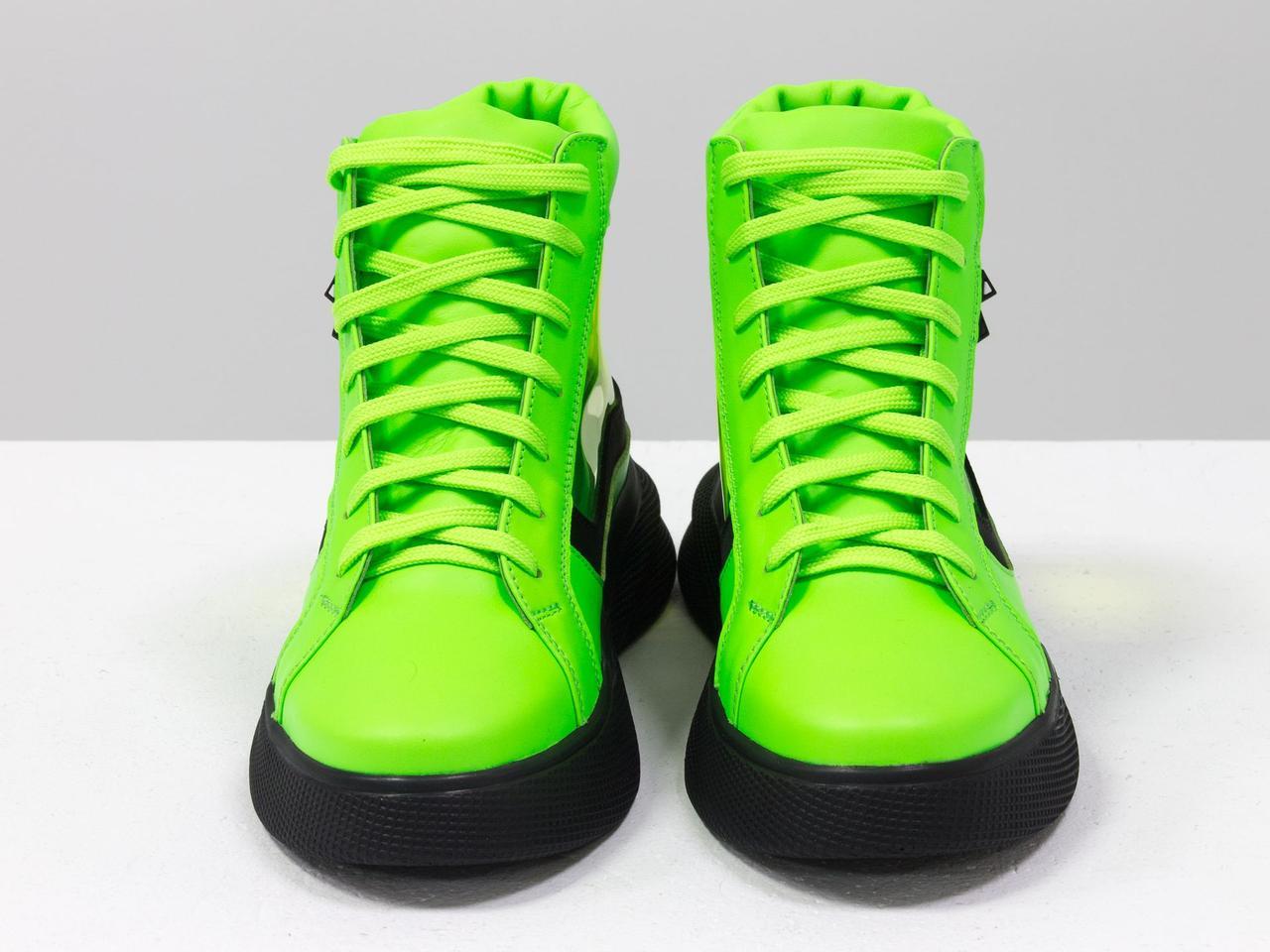 Дизайнерские прозрачные ботинки из натуральной неоновой кожи салатового и черного цвета - фото 3