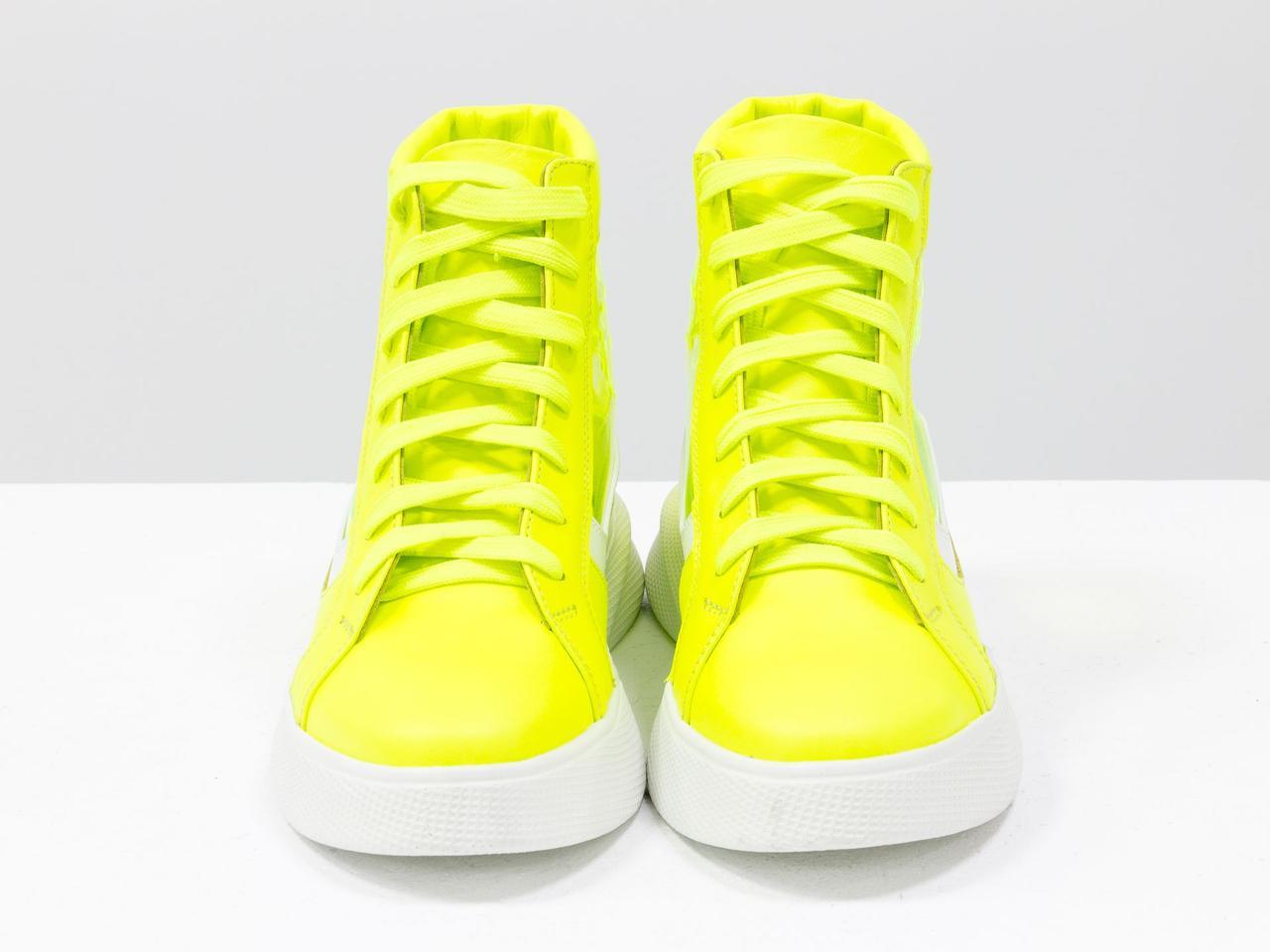 Дизайнерские прозрачные ботинки из натуральной неоновой кожи желтого и белого цвета - фото 2