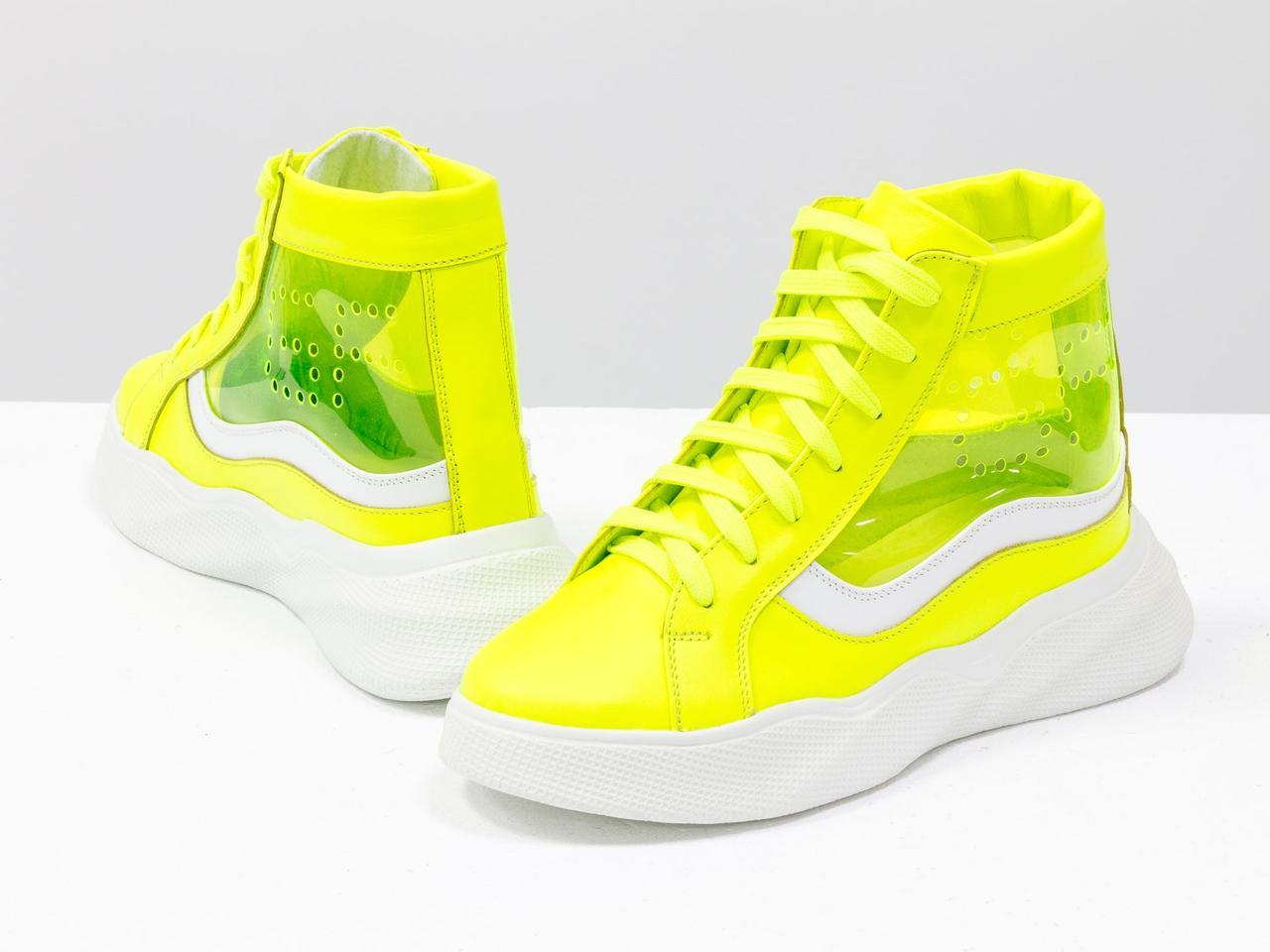 Дизайнерские прозрачные ботинки из натуральной неоновой кожи желтого и белого цвета - фото 1