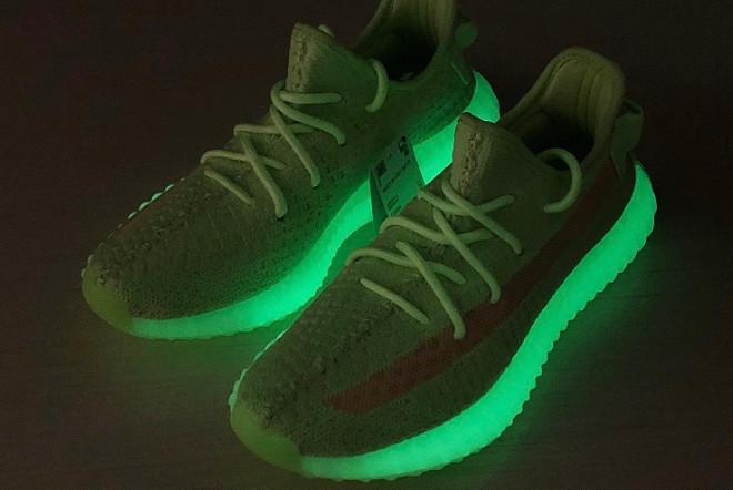 Adidas Yeezy Boost 350 V2 Glow in the Dark (36-45) - фото 5