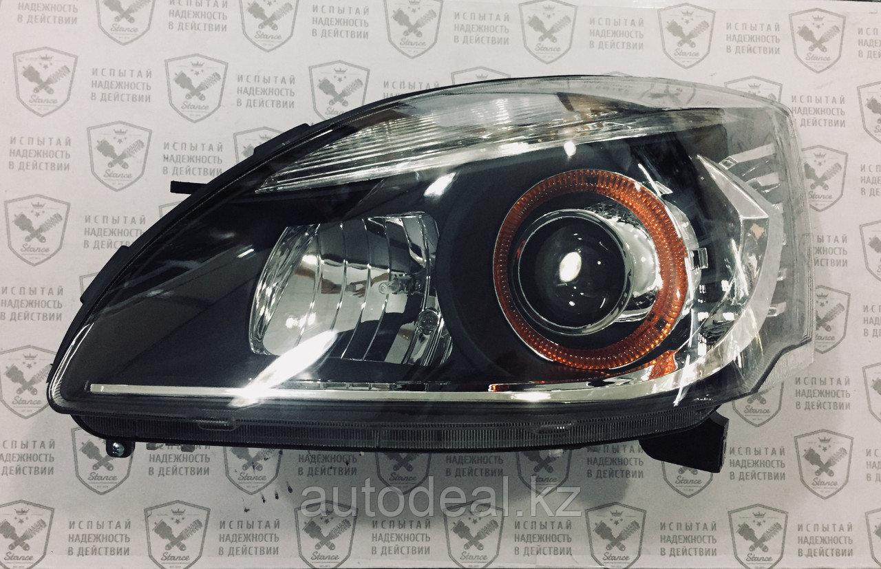 Фара передняя левая (белая с желтым ободком) Geely SC7  / Headlight left side (white with yellow frame)