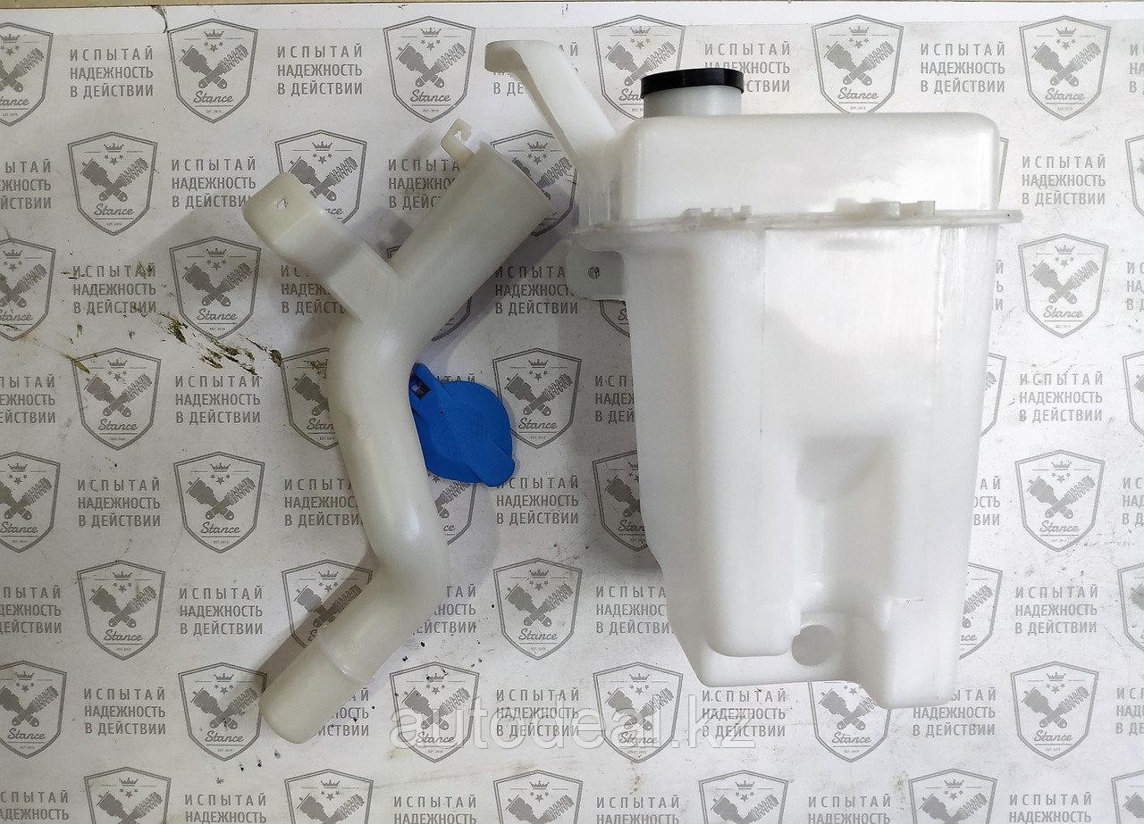 Бачок стеклоомывателя JAC S3 / Windshield washer reservoir
