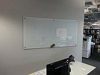 Стеклянная магнитно-маркерная доска 120*200см Askell Standart с внешним видимым креплением к стене, фото 1