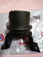 Подушка двигателя правая 12305-28060-a