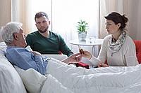 Удобство непромокаемого нижнего белья в использовании для заботы о больных