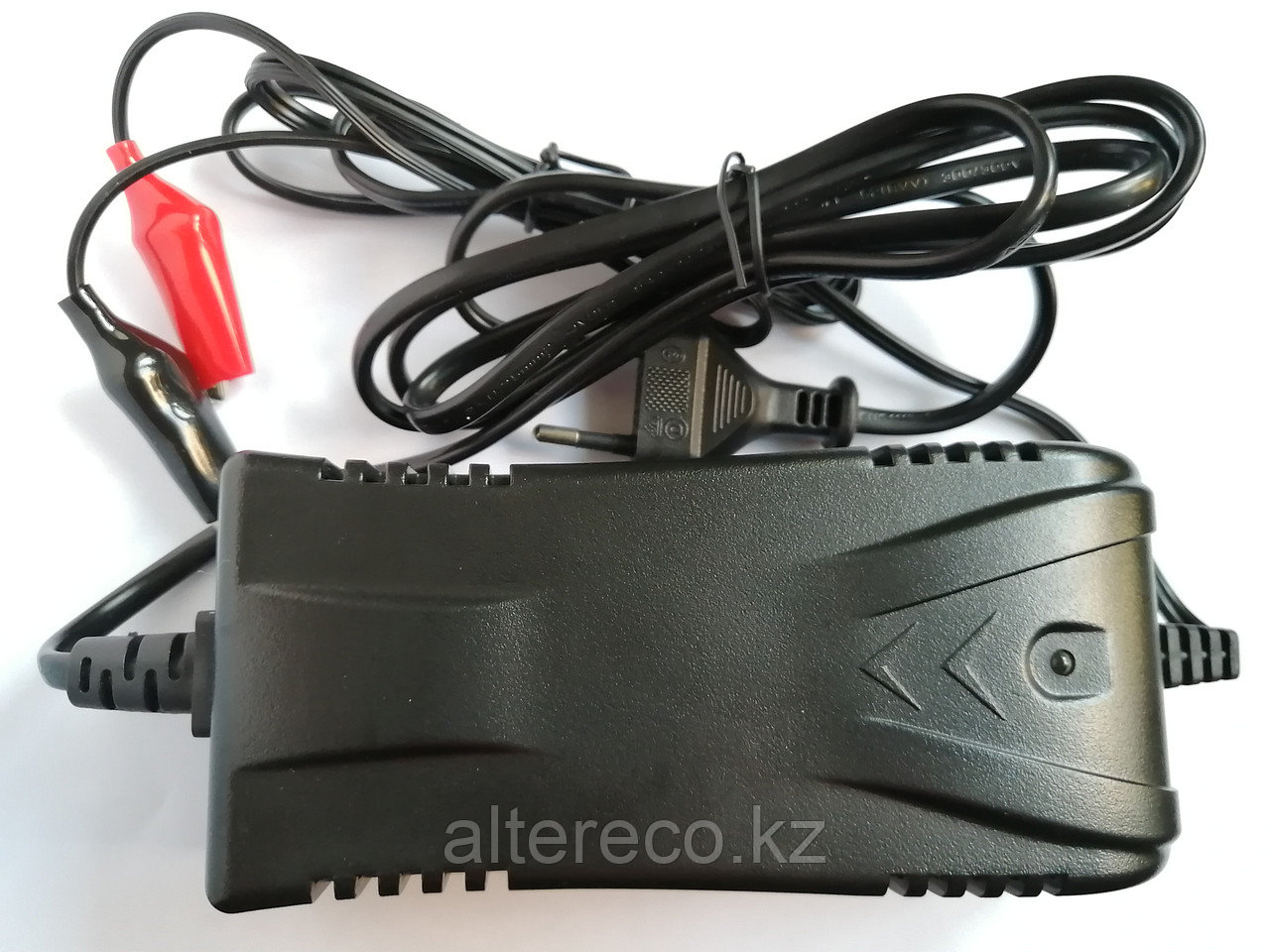 """Зарядное устройство """"LEOCH LC-2281"""" (12В, 1А)"""