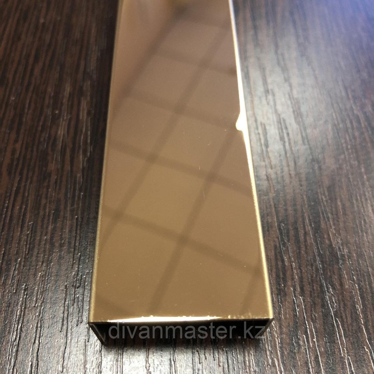 Профиль для декорирования мебели 12*30, зеркальное золото, 305 см