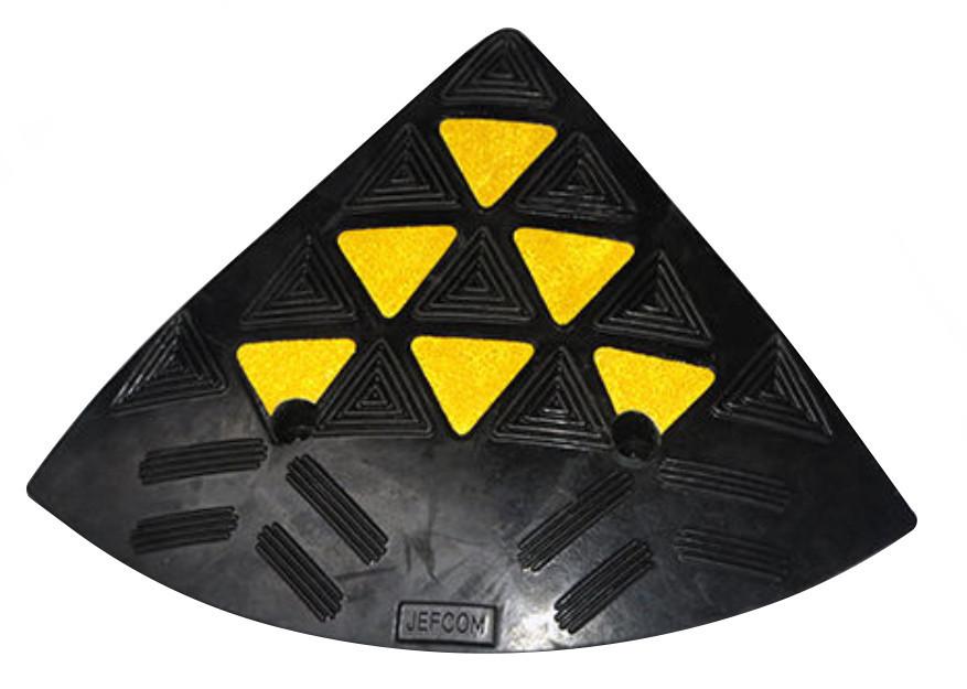 Cъезд с бордюра резиновый БС 150 (концевой элемент)