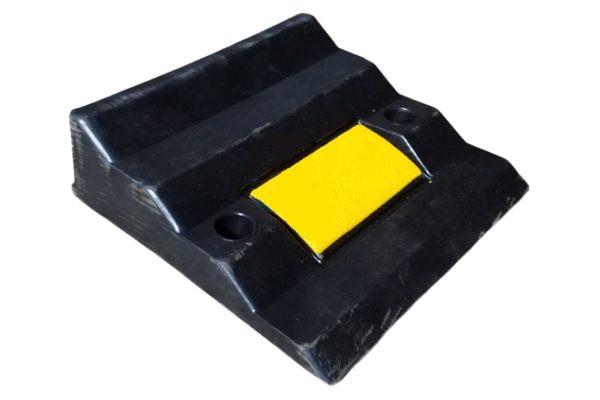 Cъезд с бордюра резиновый СР-90 (основной элемент)