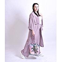 Женский костюм - пижама выполнен из легкой струящейся ткани