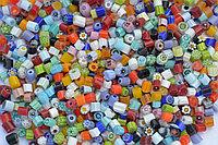 Стеклянные пластины MILLEFIORI COE104, смешанные d=4-5 мм 100г.
