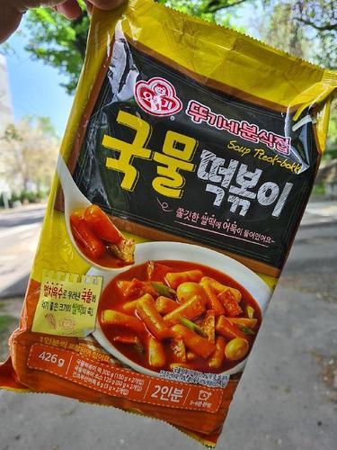 OTTOGI Soup Tteak-bokk Рисовые палочки в остром соусе «Токпокки»
