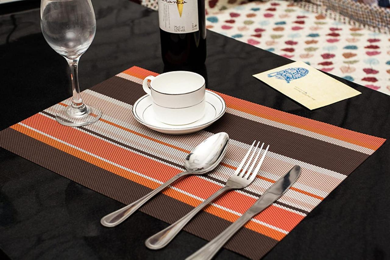 Комплект из 4-х сервировочных ковриков, цвет оранжевый. Черная пятница!