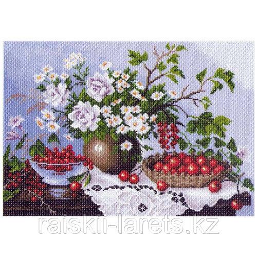 """Рисунок на канве для вышивания крестом """"Натюрморт с ягодами"""" арт. 1232"""