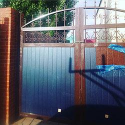 Ворота гаражныетв стальной раме с сэндвич-панелью