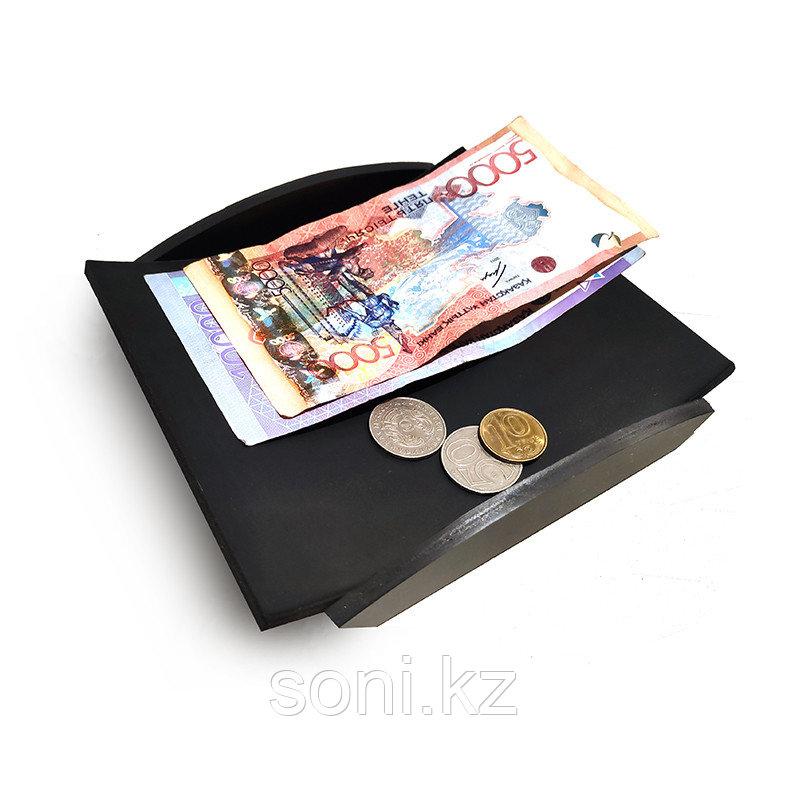 Монетница черная