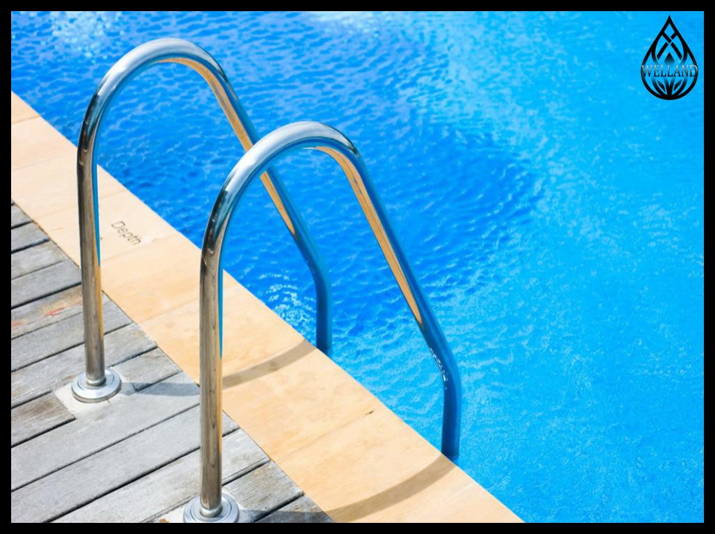 Лестницы забортные для бассейна