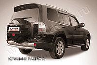 Защита заднего бампера d76 короткая Mitsubishi Pajero IV