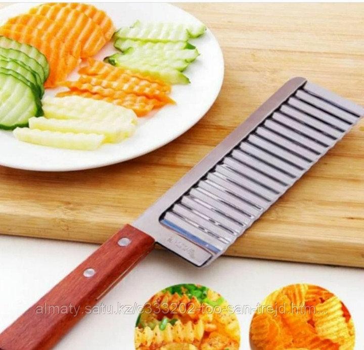 Нож для декоративной нарезки( ручка платмасса )